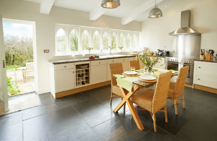 Ground floor: Fully equipped kitchen and dining table