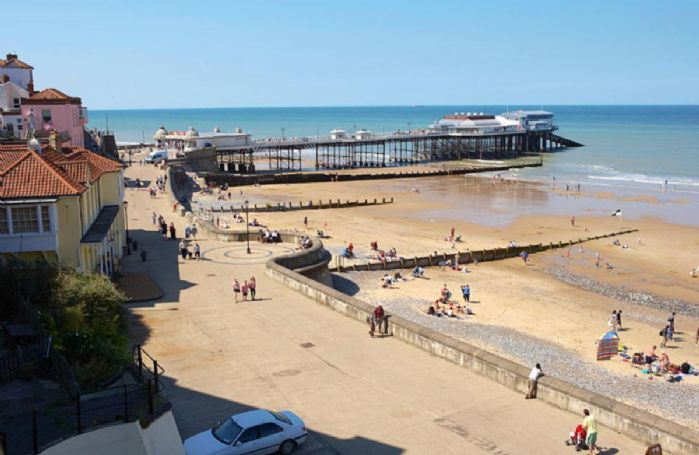 A 10-minute stroll along the coastal path or along the beach will take you into Cromer