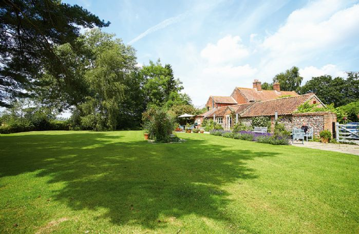 Pear Tree Cottage, in the heart of tranquil North Norfolk, surrounded by unrivalled views of open countryside