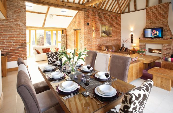 Ground floor:  Open plan dining area with vaulted ceiling