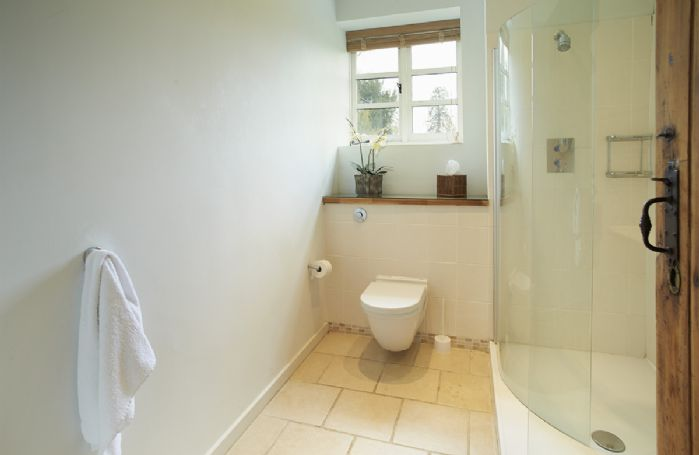 The Coach House: Shower room with wc