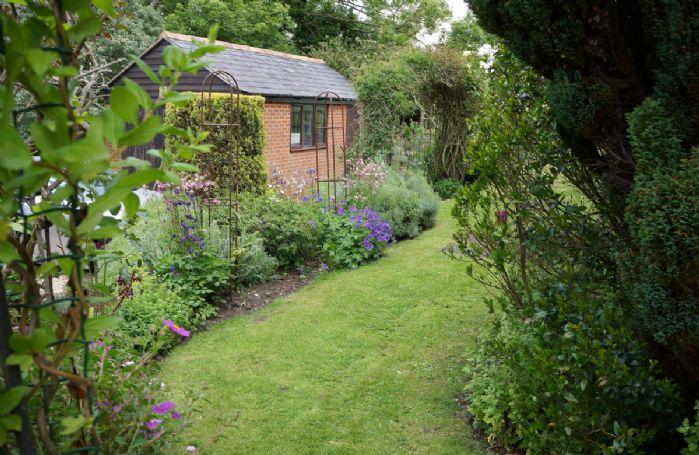 The pretty lawned garden