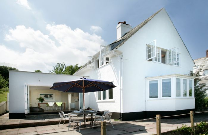 Penveron is a detached, self catering holiday cottage with stunning views over the Dart Estuary
