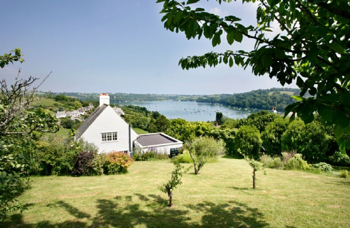 Penveron Cottage with sea views