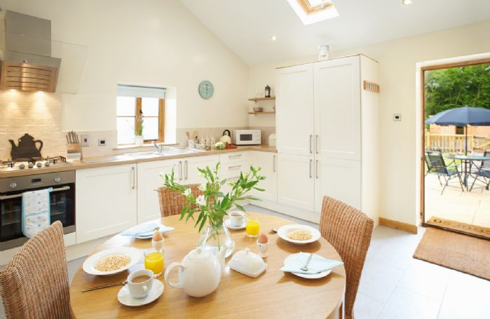 Teal Cottage Ground floor: Open plan kitchen/dining room, with stable door