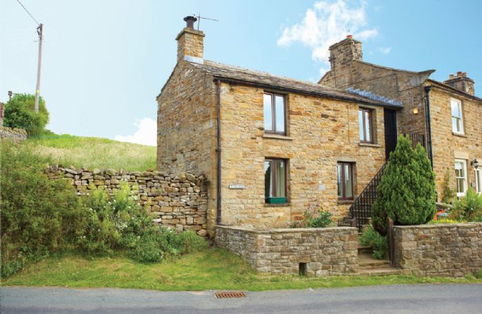 Barn Cottage is a cosy cottage in the middle of the village with accommodation for 3 guests