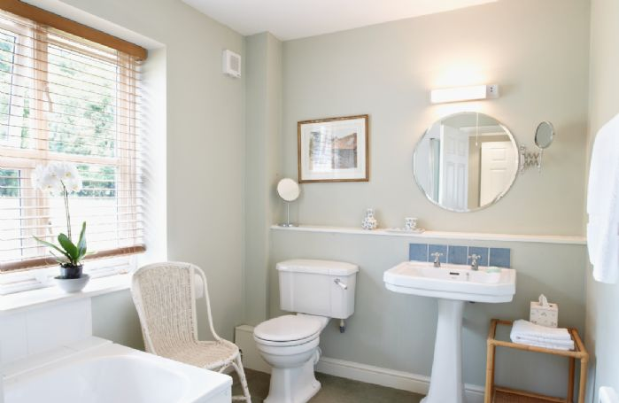 Ground floor:  En-suite bathroom to master bedroom