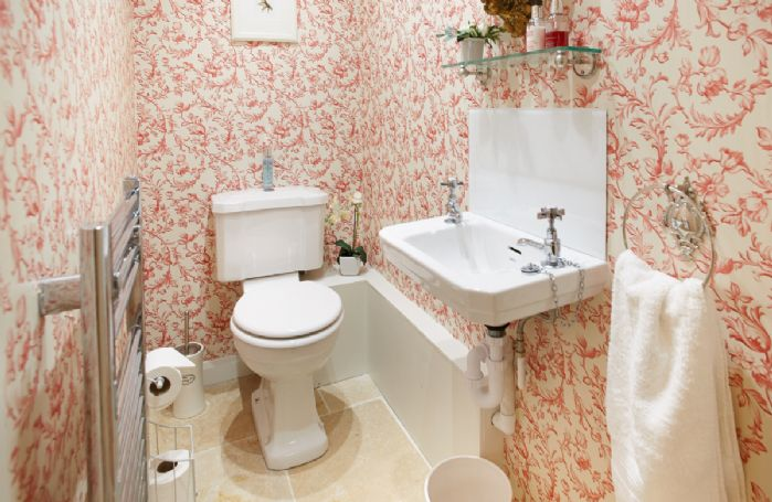 Ground floor:  Cloakroom/wc