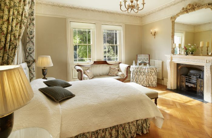 First floor: Large bedroom with 5' double bed