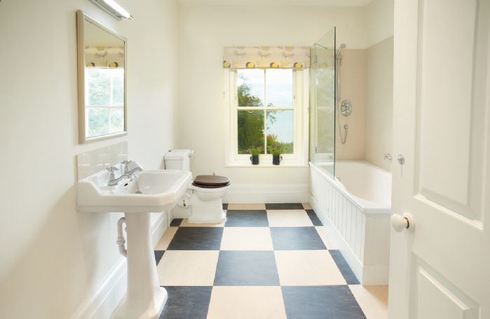 First floor: West wing bathroom