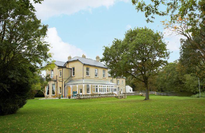 Oak Cliff Place is a private & magnificent Victorian, detached house