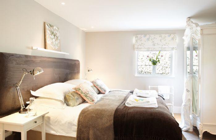 Ground floor: Double bedroom with 6' zip and link bed