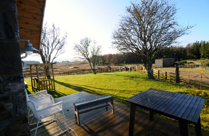 The property is surrounded by wild croft land and open skies