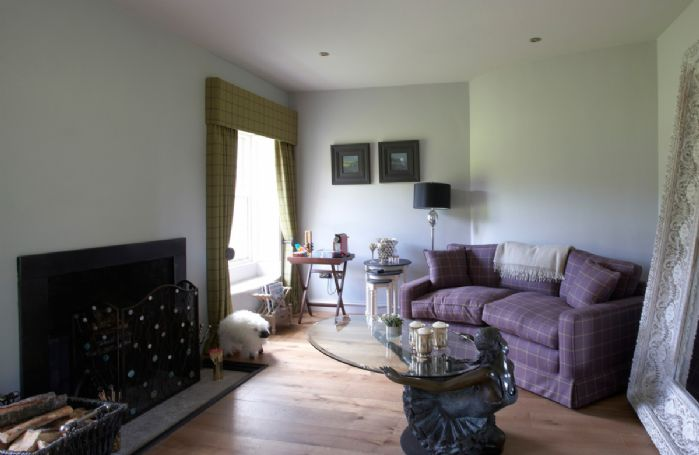 Ground floor: Sitting room