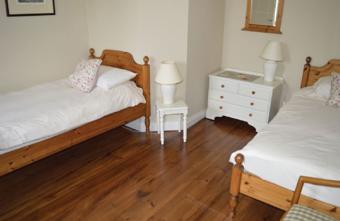 Ground floor: Twin bedroom