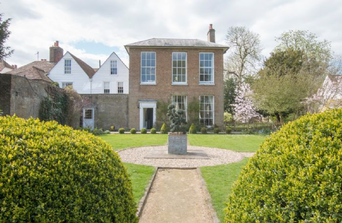 A classic late Georgian style property with high ceilings and spacious surroundings