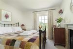 First floor: Small double bedroom with 5' bed