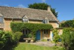 Slatters Cottage is a Grade II listed 17th century cottage in the heart of the North Cotswolds