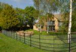 Watery Park Barn Outside: Large garden