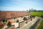 Downclose Piggeries is a delightful single storey dwelling located along a quiet country lane