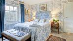 Newleaze Farm Double Bedroom - StayCotswold
