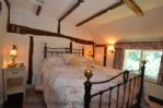 Double bedroom 15 - The Thatched Cottage