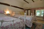 Twin bedroom 18 - The Thatched Cottage
