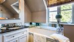 Cherry Tree House Bathroom - StayCotswold