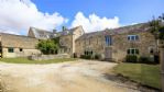 Upton Downs Farmhouse Driveway - StayCotswold