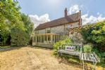 Chestnut Cottage is a three bedroom Grade II listed cottage in Thornham