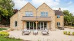 Apple Tree House Outdoor Dining Area - StayCotswold