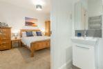 First Floor: En-suite