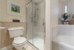 Ground Floor: En suite bathroom