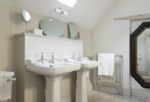 The Coach House: En-suite bathroom with walk-in shower