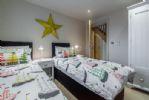Ground floor: Bedroom 2 in twin configuration
