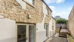 Evenlode Apartment Communal Courtyard - StayCotswold