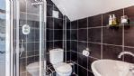 Prince Barn - Shower Room - Goodlake Barns - StayCotswold