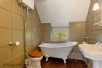 Indah Cottage Bathroom - StayCotswold