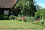 Thumbnail Image - A beautiful and private garden