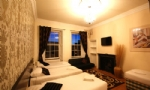 Edinburgh Large Group Party Apartment- Edinburgh Apartments (16 Single Beds) (No. 16)