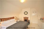 Thumbnail Image - Principal bedroom
