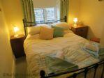 TEAPOT COTTAGE, DOUBLE BEDROOM