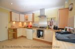 Thumbnail Image - Well equipped fitted kitchen