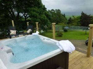 Self catering cottages with Hot Tubs in the Lake District and throughout the UK